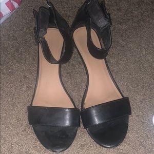 Merona black wedge shoe sz 10